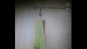 boy masturbating in shower hung Se la folla en su despedida