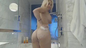 on wives sucking webcam show Wife amateur gang homemade