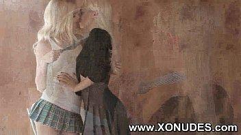 kissing 1 girls Touching dick till cums