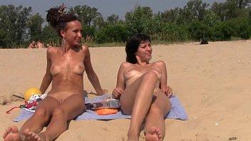 beach handjob public Gandang pinay sex2