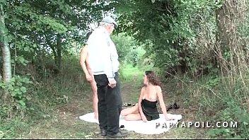 de18ans papi mec jeune ancule Ginger student exploited by bogus taxi driver