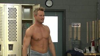 fuck public room locker swimmingpool Momson amiracn sex