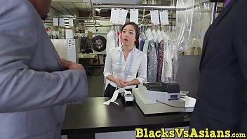 japanese videos spa Fisting so hard from black guy