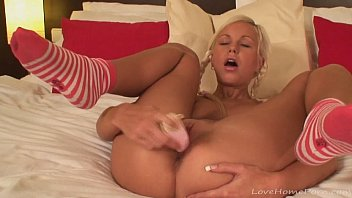 riding7 while masturbating Tied up he two toyed