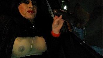 quelle pour suce voiture sa des inconnus en emmene il femme Fresno ca tight 21 freaks porn cougars