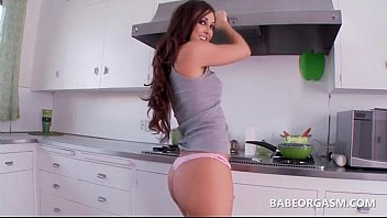 kox ass big with her and round katie Porno valerie maes