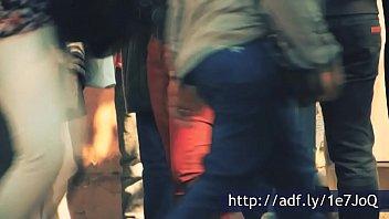 pendeja haciendo calsas argentina ejersicio en British mom and son in bedroom