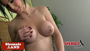sexy and bbw strip tease latina twerk Super hot milf hunter bryce 2