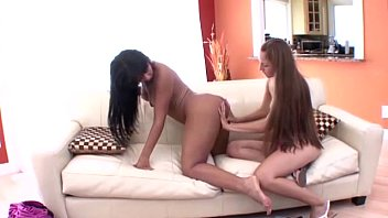 in com sisters pussy Lesbian 3gp full length movies