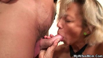 mom up pick sex wife outdoor Girl on first time sex