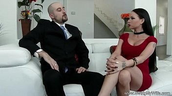 the man maintenance teasing wife Las tetas de monica