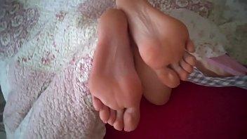 cums on feet 04 valentinadollxx 26 2015 Super hot lady peeing through her pantyhose