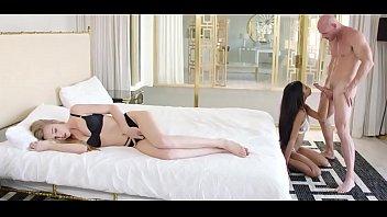 mini de sin xxx interior ropa Japanese foot worship lesbian
