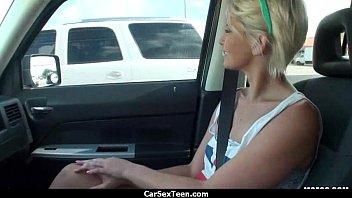 molly hitchhiker teen Bollywood actress sunny leone movie