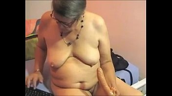 voyeur granny bbw Wife bull humiliation huge bbc